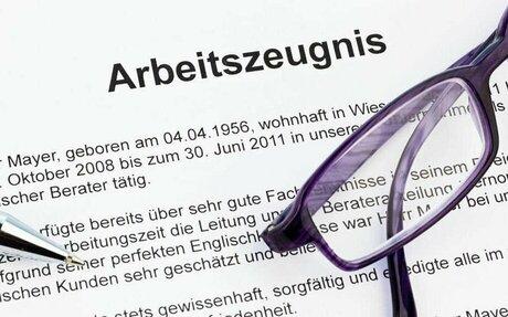 Arbeitszeugnisse: Ergebnisse und Leistungen konkreter formulieren